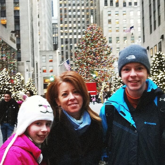 Dear Parents, Travel With Your Kids NYC Christmas Tree