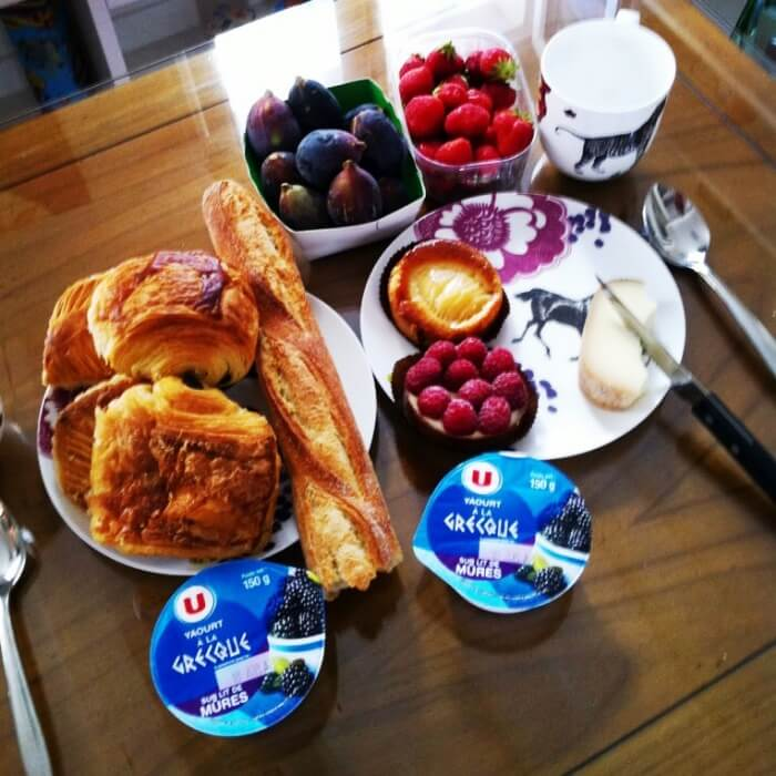 Croissants and yogurt and berries