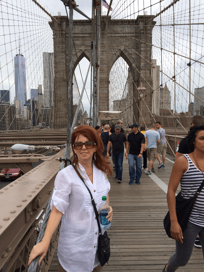 The Curious Cowgirl on the Brooklyn Bridge
