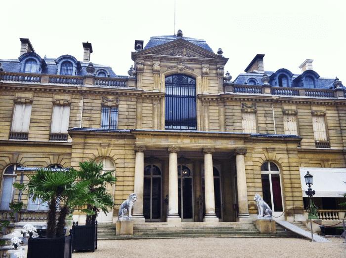 Gelato vs. Creme Brulee Paris
