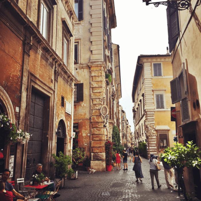Italy Q&A via dei Corinari