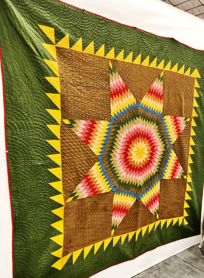 Antique quilt at the Heart of Tennessee Antique Show